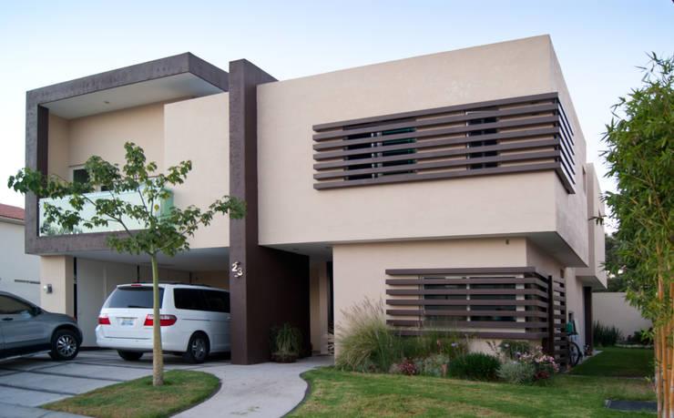 Casa SP: Casas de estilo  por Taller Habitat Arquitectos