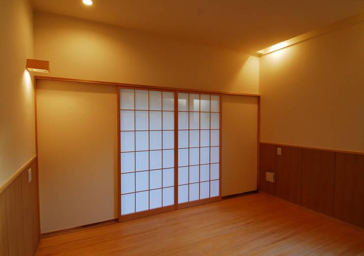 温品の家: エルイーオー設計室が手掛けた和室です。