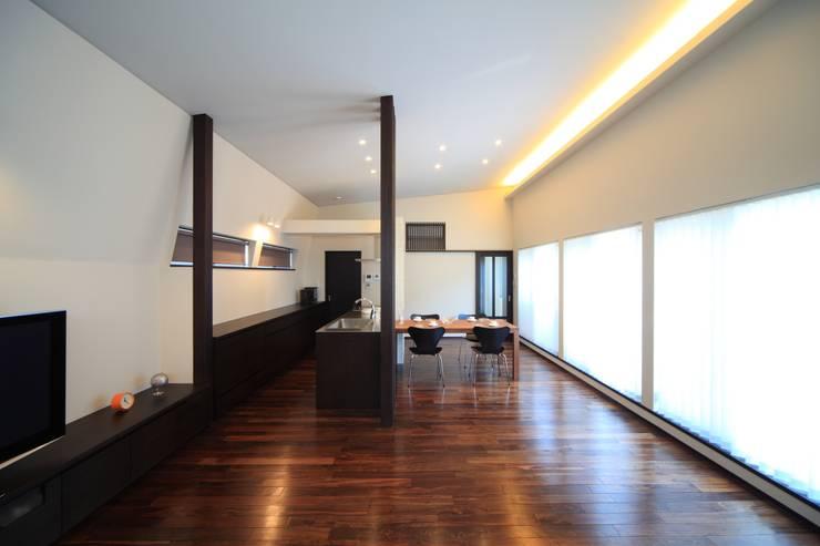 リビング~ダイニング~キッチン: MA設計室が手掛けたリビングです。