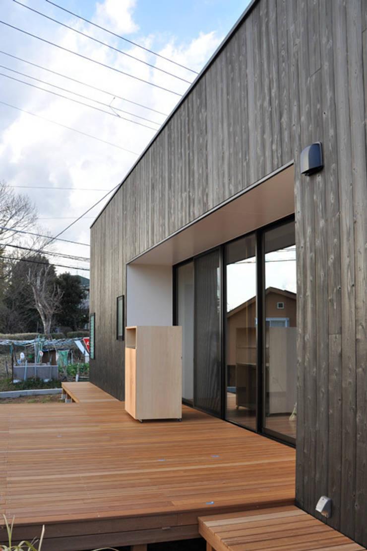 外観:親世帯: 清正崇建築設計スタジオが手掛けた家です。