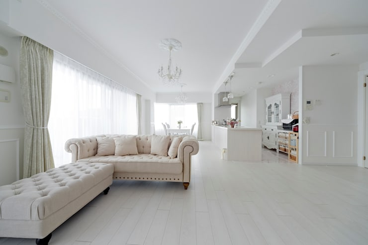 classic Living room by 有限会社ミオ・デザイン