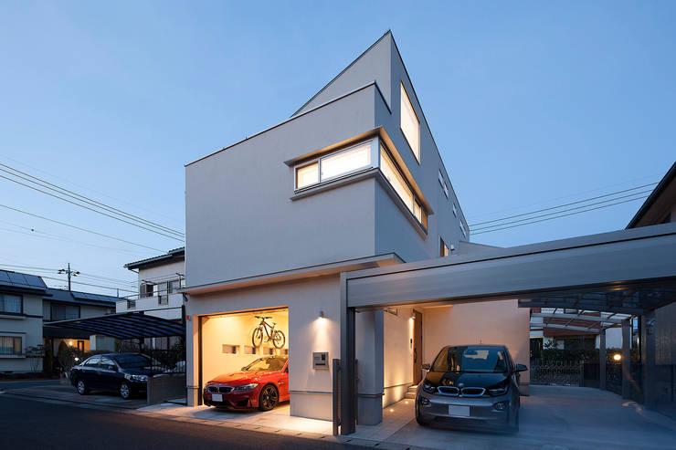 3と4のある家: 有限会社タクト設計事務所が手掛けた家です。
