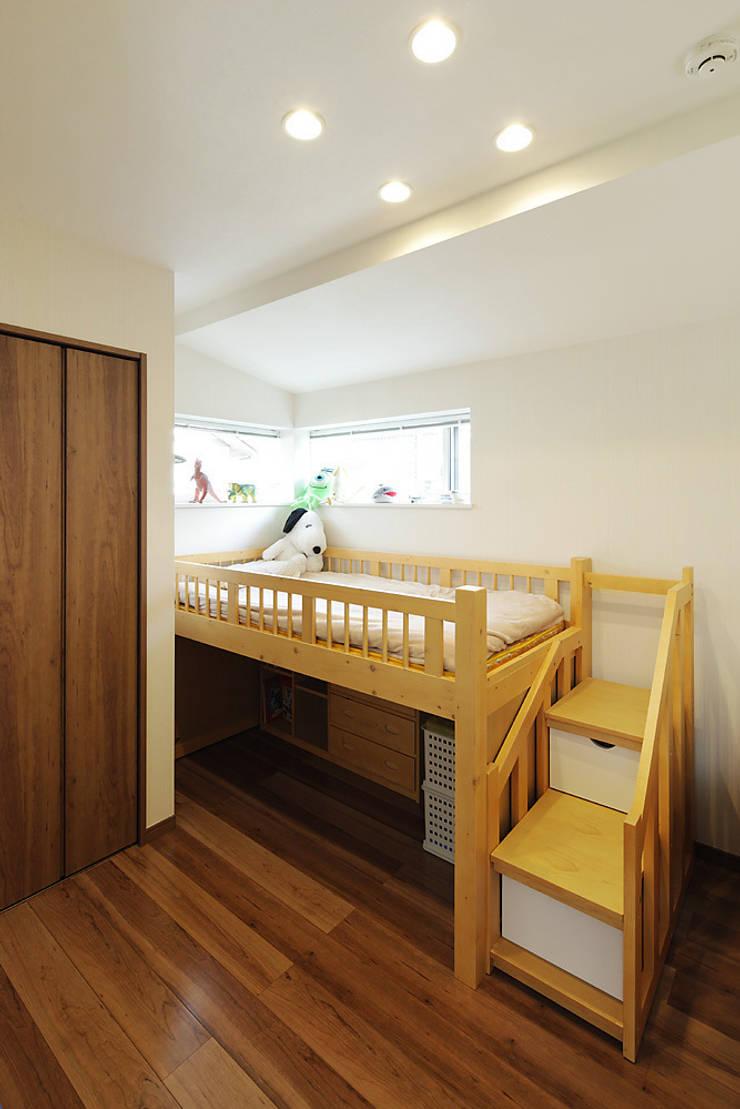 3と4のある家: 有限会社タクト設計事務所が手掛けた子供部屋です。
