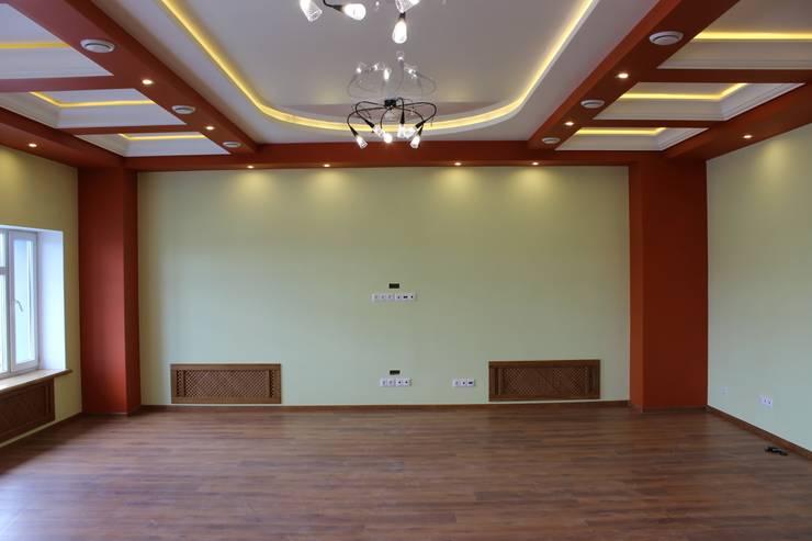 Потолок переговорной: Офисные помещения в . Автор – ООО 'Сфера'