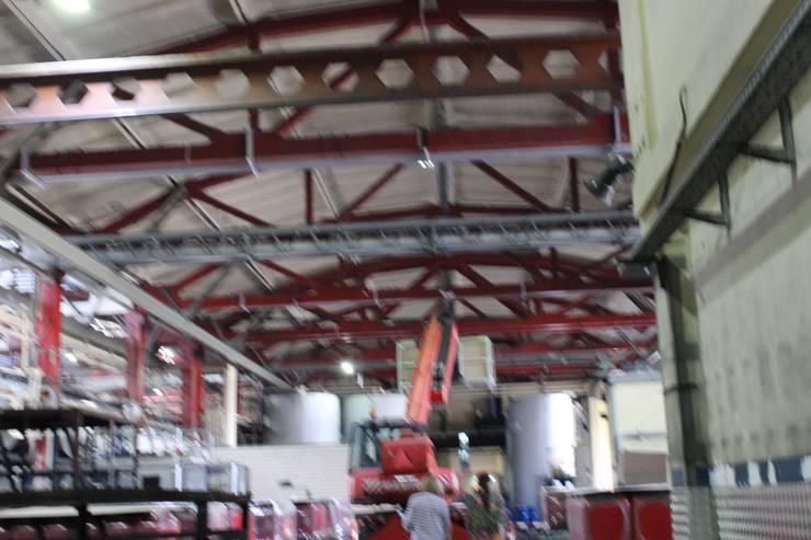 Потолок цеха: Офисные помещения в . Автор – ООО 'Сфера'