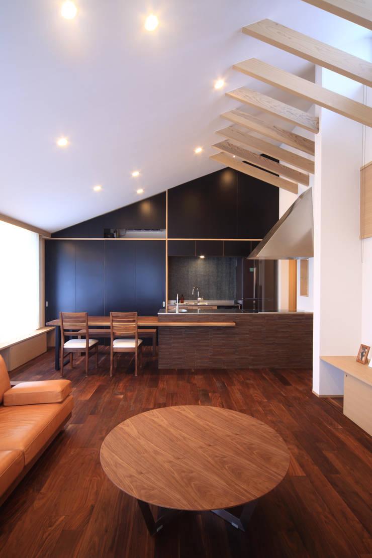 ダイニング、キッチン モダンデザインの リビング の MA設計室 モダン