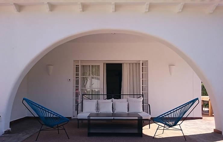 Terrace by DyD Interiorismo - Chelo Alcañíz