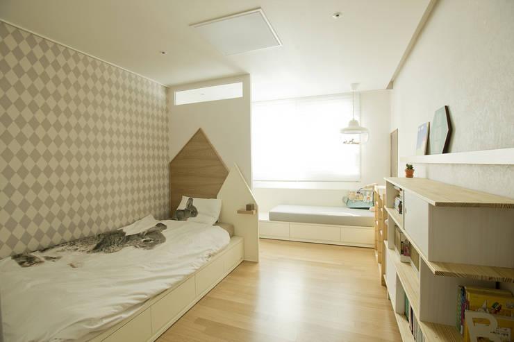 modern Nursery/kid's room by homify