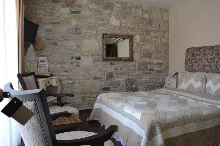 Griffon Boutique Hotel – Otel Oda No:8: kolonyal tarz tarz Yatak Odası