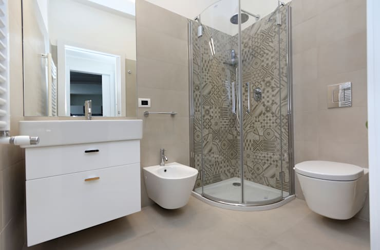 modern Bathroom by ROBERTA DANISI ARCHITETTO