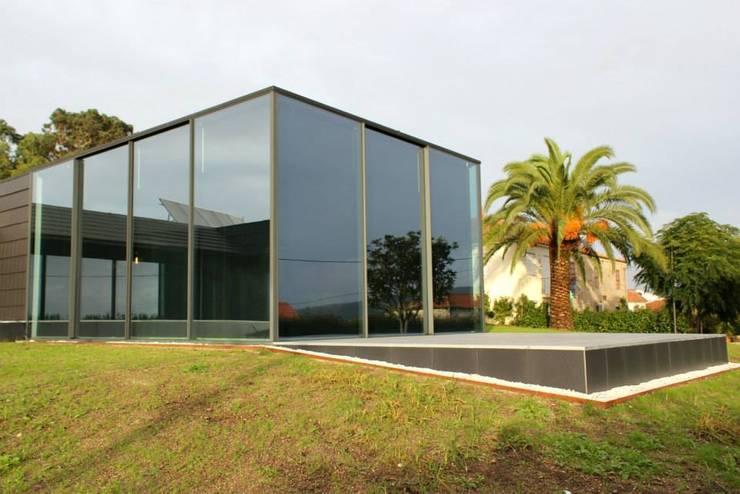 Projekty,  Domy zaprojektowane przez Alberto Craveiro, Arquitecto