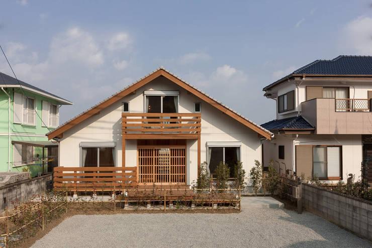 石井の住宅: 中飯賀業建築研究所が手掛けた家です。