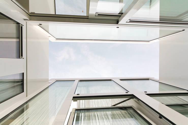 De patio:  Terras door OX architecten