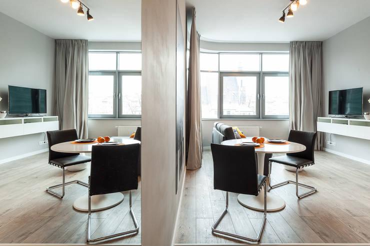 Salon z aneksem jadalnianym: styl , w kategorii Jadalnia zaprojektowany przez KODO projekty i realizacje wnętrz