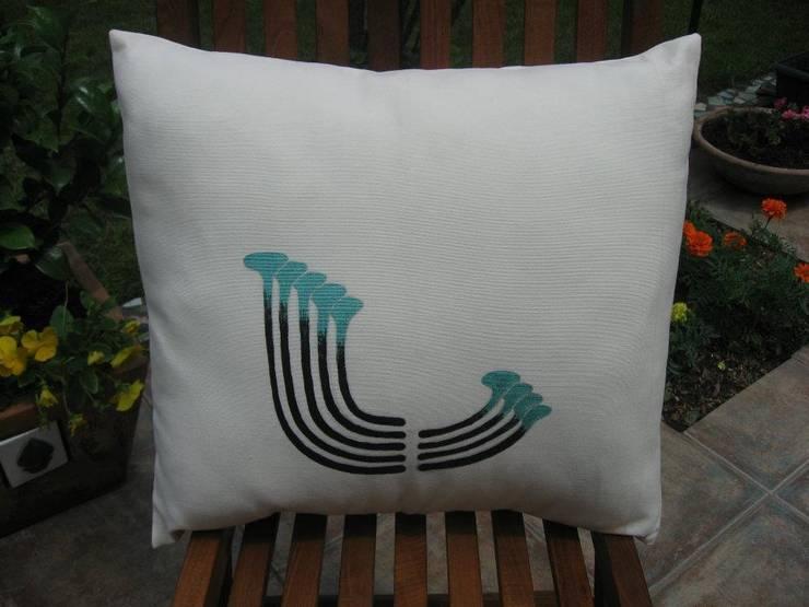 Melda Başçakır  – Yastık:  tarz İç Dekorasyon
