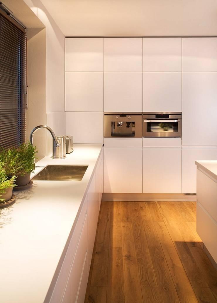 Kuchnia: styl , w kategorii Kuchnia zaprojektowany przez KODO projekty i realizacje wnętrz,Nowoczesny