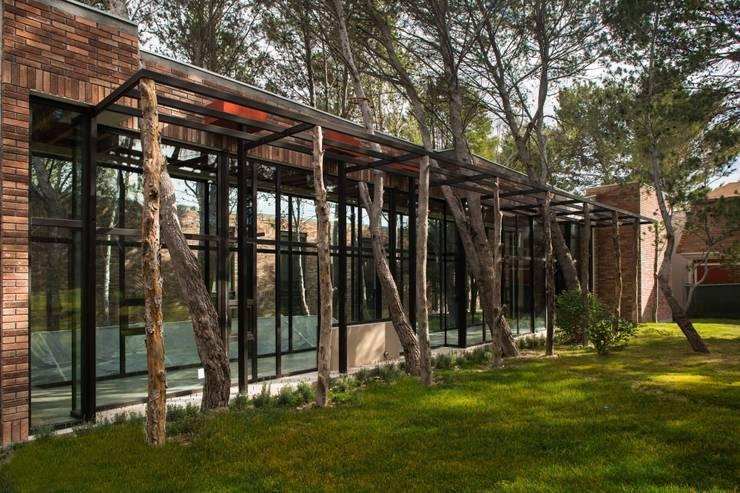 Casa Espiritual Jardines modernos de PLADIS Moderno