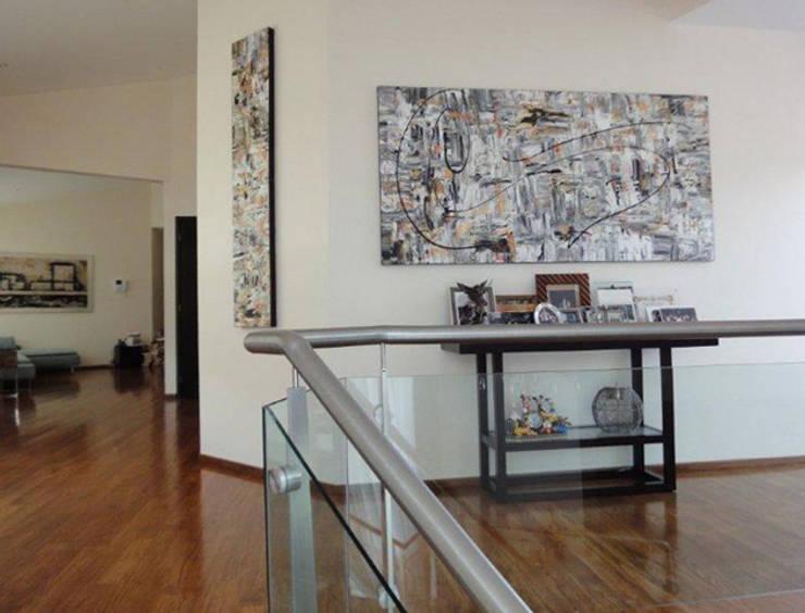 Mixta: Paredes y pisos de estilo  por Victoria Goren Arte Contemporaneo