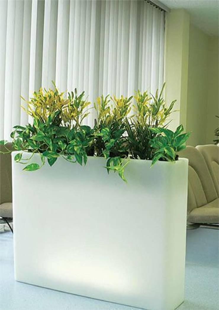 Donice podświetlana VASO PARETE: styl , w kategorii Zieleń wewnątrz zaprojektowany przez Hydroponika - Wnętrz i zieleń