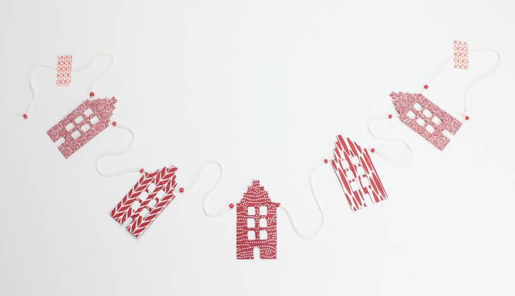 Slinger huisjes Jansje design: moderne Woonkamer door De wereld van Jansje