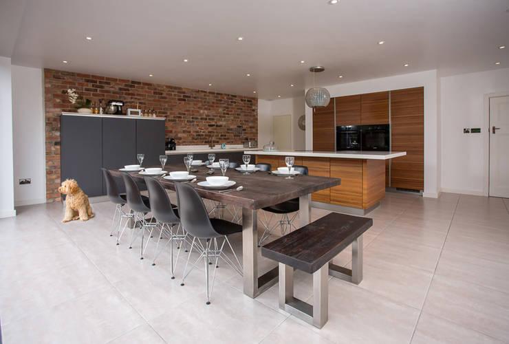 modern Dining room by Mac+Wood