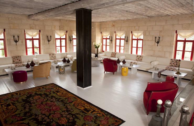 modern  by Hezen Cave Hotel, Modern