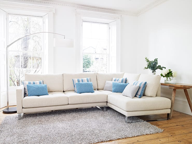 Hollie Modular Sofa:  Living room by Darlings of Chelsea