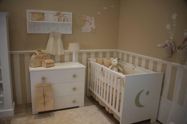 Habitación Ninet: Habitaciones infantiles de estilo  por Baby Luna