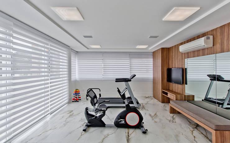 Salle de sport de style de style Moderne par Espaço do Traço arquitetura