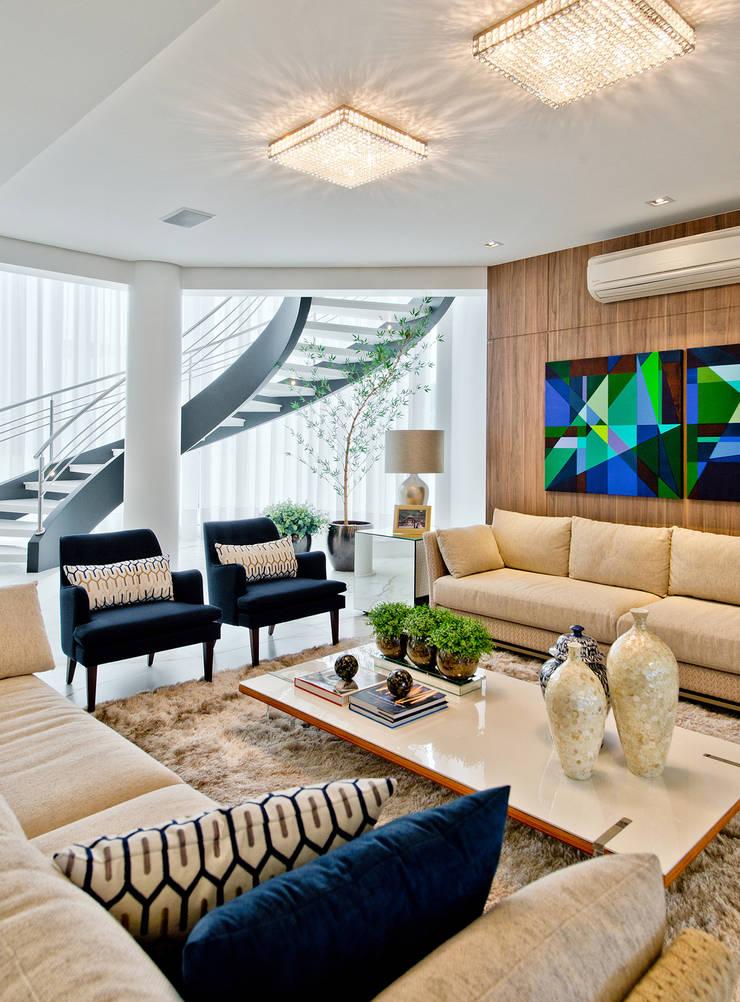 Living: Salas de estar  por Espaço do Traço arquitetura