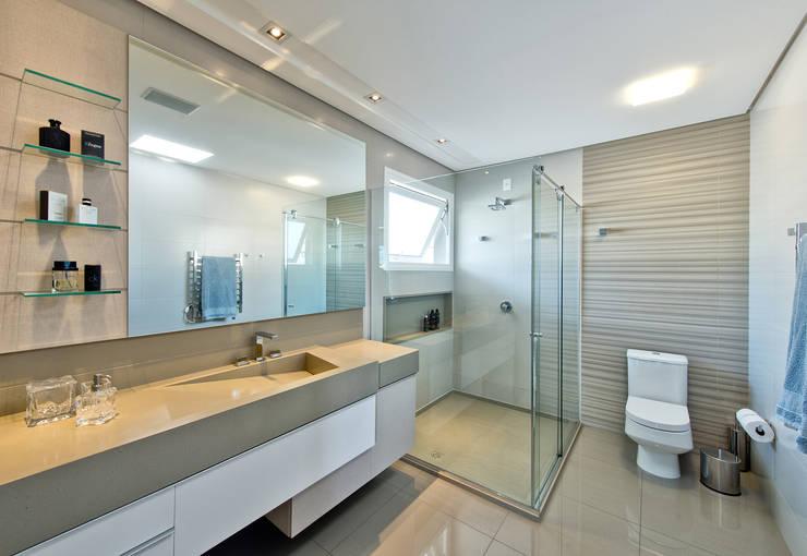 Banheiro do filho: Banheiros  por Espaço do Traço arquitetura