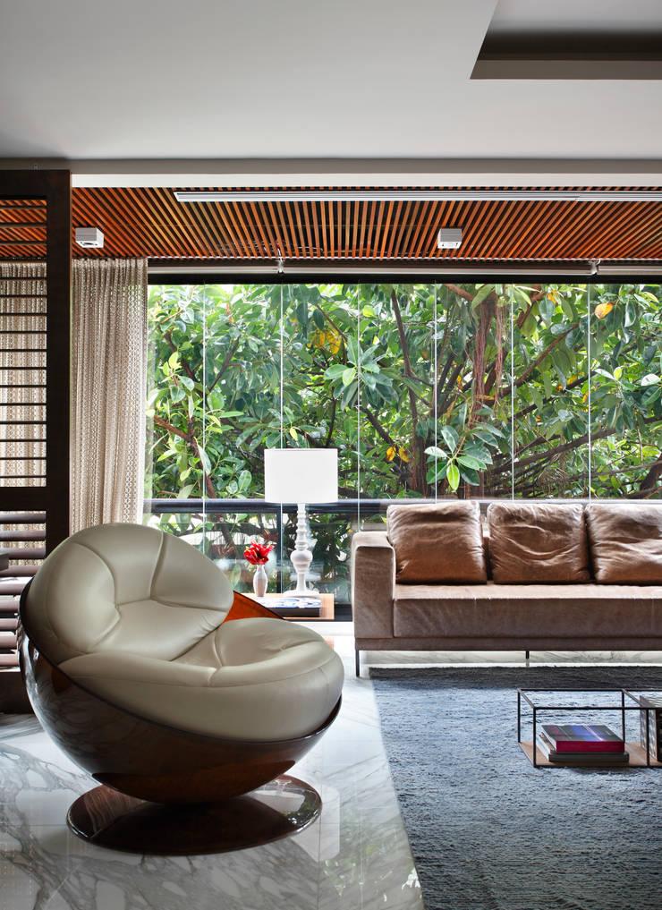 Apartamento WSS: Terraços  por Yamagata Arquitetura