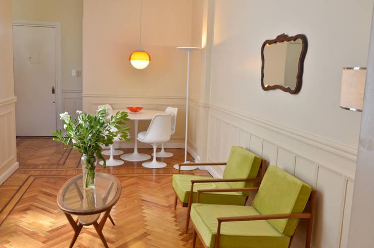 Departamento en Recoleta I: Livings de estilo  por GUTMAN+LEHRER ARQUITECTAS