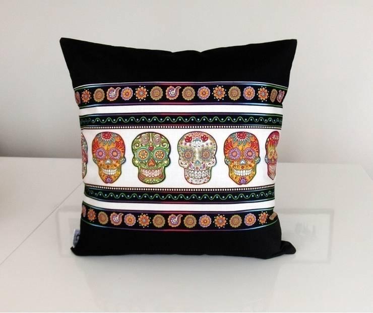 Ceviz El İşleri – Kuru kafa baskılı dekoratif yastık: modern tarz , Modern