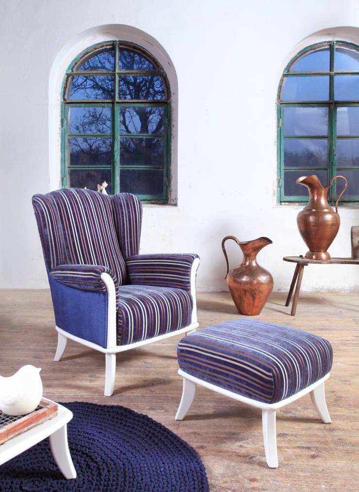 Fotel i pufa Ushak: styl , w kategorii Salon zaprojektowany przez Swarzędz Home