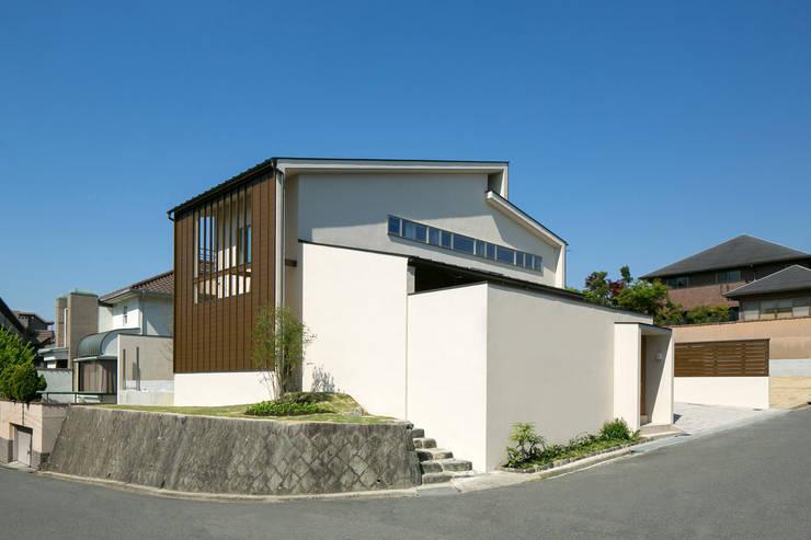 眺めのいい窓 コーナー全景: アーキシップス古前建築設計事務所が手掛けた家です。