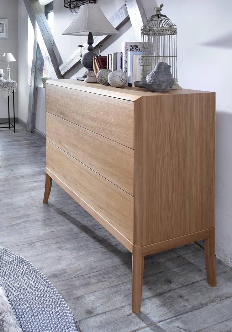 komoda Dream dąb natur: styl , w kategorii Sypialnia zaprojektowany przez Swarzędz Home