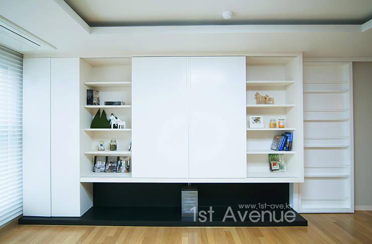 두아이를 위한 특별한 트윈벙커 다락방 인테리어 : 퍼스트애비뉴의  거실