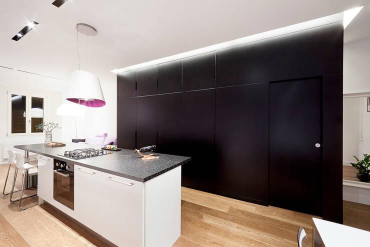cucina: Cucina in stile  di 23bassi studio di architettura