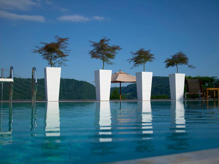 Donice KIAM: styl , w kategorii Ogród zaprojektowany przez Hydroponika - Wnętrz i zieleń,