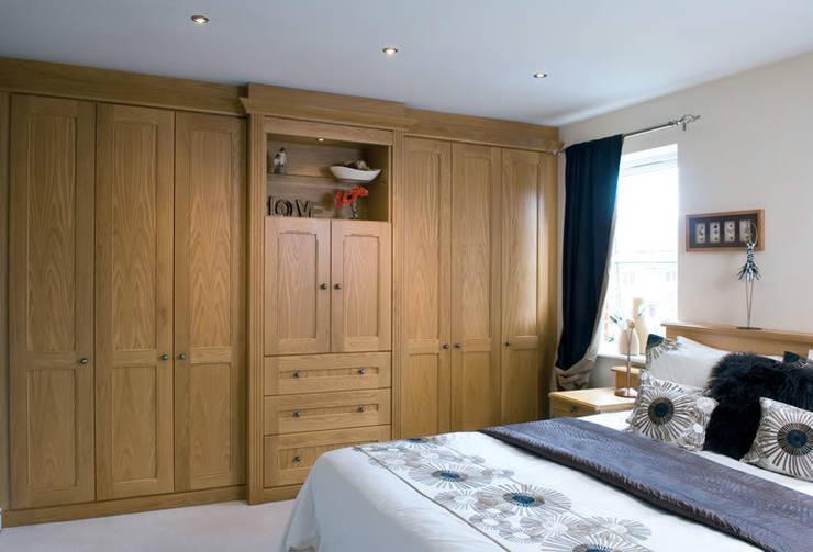 Camera da letto in stile in stile Classico di Chase Furniture