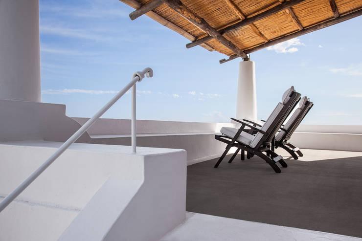 HOTEL RAJA: Hotel in stile  di AD FOTO NADIA BALDO & DANILO COLI' snc
