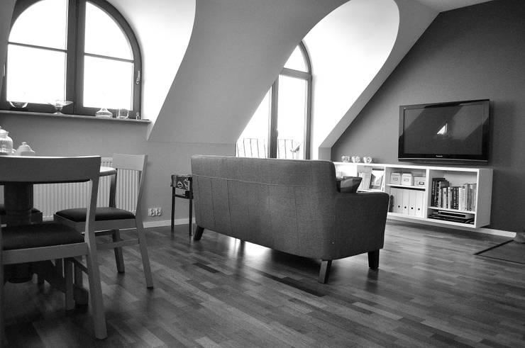 Salon : styl , w kategorii Salon zaprojektowany przez Intereska