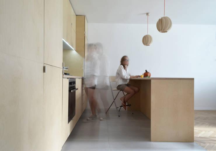 OŚWIETLENIE Z DREWNA -LAMPY PAPOULA : styl , w kategorii Jadalnia zaprojektowany przez SEAN
