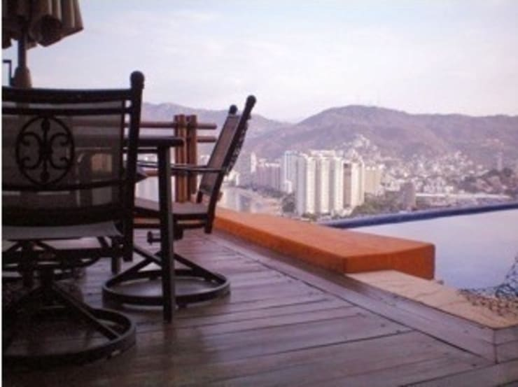 DECK Terraza : Terrazas de estilo  por ARQUELIGE