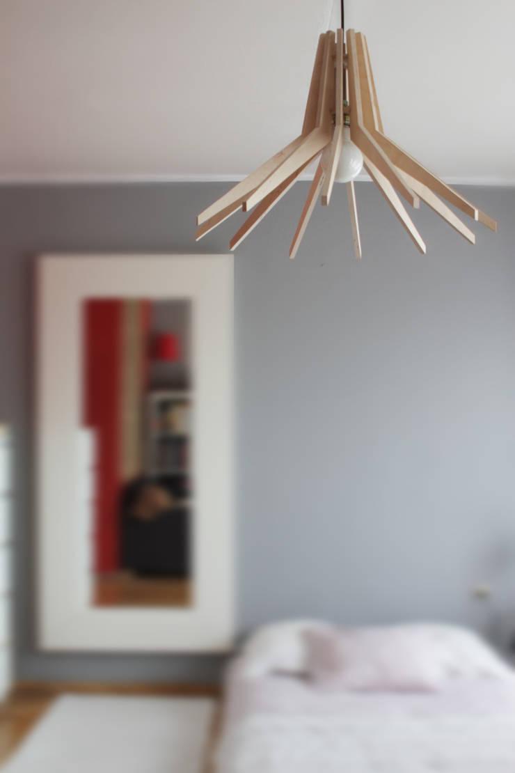 DREWNIANA LAMPA COPO: styl , w kategorii Salon zaprojektowany przez SEAN