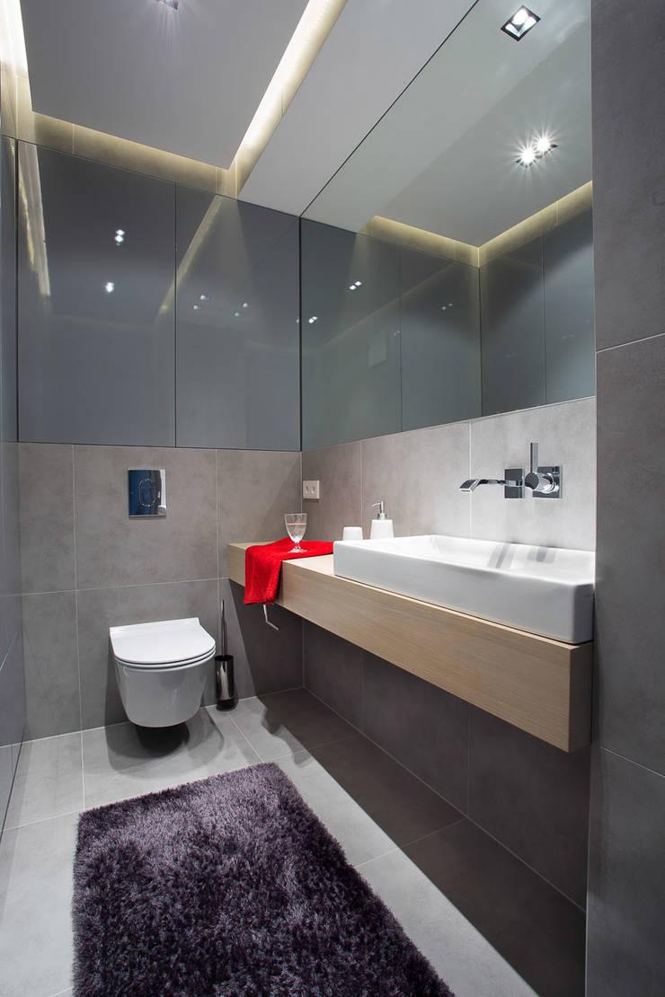 Mieszkanie na Gocławiu: styl , w kategorii Łazienka zaprojektowany przez Jacek Tryc-wnętrza,Nowoczesny
