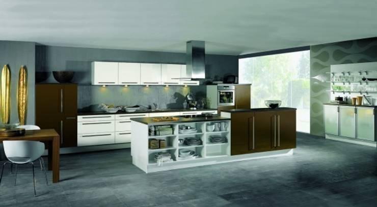 Diseño Interior Residencial: Cocinas de estilo  por Design IN