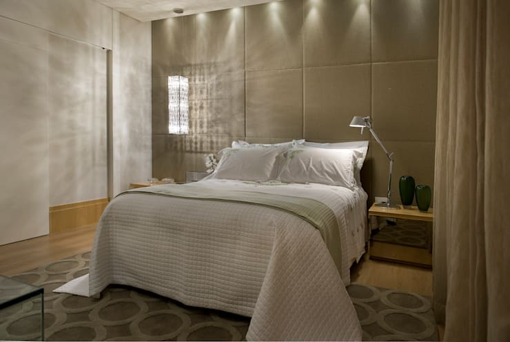 modern Bedroom by Gláucia Britto