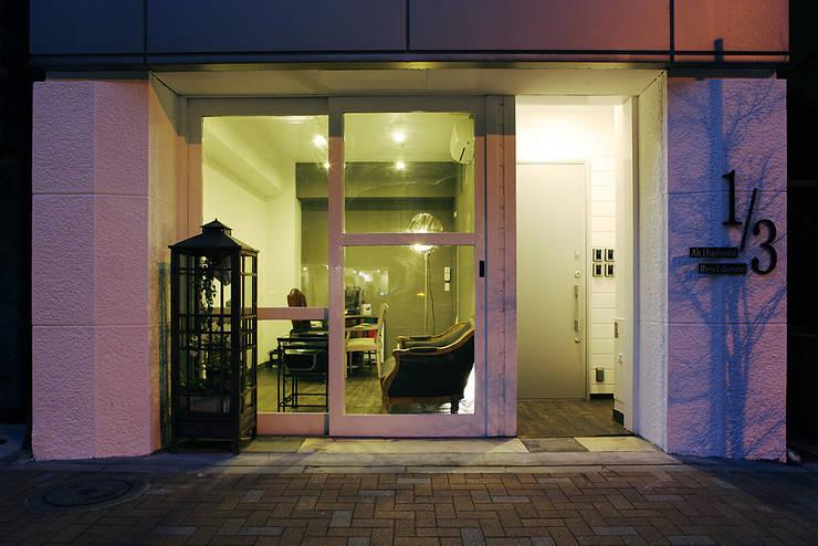 秋葉原リノベーション: 有限会社タクト設計事務所が手掛けた窓です。,和風